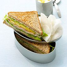 Sandwich met kipfilet en mango