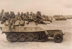 SdKfz 251/1 ausf. D mittlerer Schützenpanzerwagen. Note the missing front fender. Courtesy: www.politforums.ru/historypages/1220625202_9.html