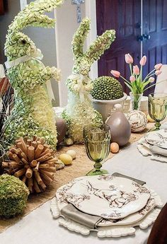A Kindred Spirit — (via Easter Parade ❤ / Easter table) Easter Table Settings, Easter Parade, Deco Floral, Hoppy Easter, Easter Bunny, Easter Eggs, Easter Celebration, Easter Holidays, Deco Table