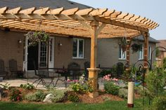 Circular cedar pergola with large boots. When age-old throughout idea, the particular pergola continues to Pergola D'angle, Pergola Metal, Cedar Pergola, Curved Pergola, Small Pergola, Pergola Attached To House, Pergola With Roof, Wooden Pergola, Covered Pergola