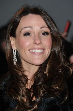 """Actress Suranne Jones, main character of detective drama series """"Scott & Bailey"""", looked stunning in DVF by H.Stern Love Knot earrings of white gold with diamonds pavé at the 2013 National Television Awards, in London. British Actresses, Actors & Actresses, Dr Foster, Global Hair, Gentleman Jack, Coronation Street, Natural Women, Tv Presenters, Gorgeous Women"""