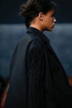 See detail photos for Vera Wang Fall 2015 Ready-to-Wear collection.
