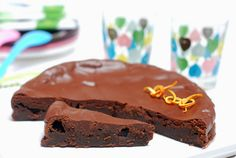 BIZCOCHO SENCILLO TIPO 'fondant' de chocolate.