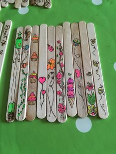 Ice Lolly Stick Crafts, Popsicle Stick Diy, Popsicle Stick Crafts, Craft Stick Crafts, Crafts To Make, Fun Crafts, Wood Burning Crafts, Wood Burning Patterns, Wood Burning Art