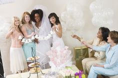 Bridal Shower, Bachelorette Party oder ganz einfach auf deutsch Braut-Party. Drei unterschiedliche Bezeichnungen für die gleiche Party für die Braut.