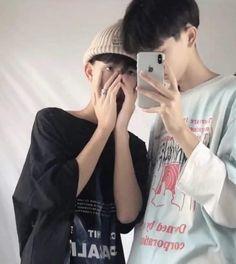 Korean Boys Ulzzang, Ulzzang Couple, Ulzzang Boy, Cute Asian Guys, Cute Korean Boys, Daddy Aesthetic, Aesthetic Photo, Cute Gay Couples, Boyxboy