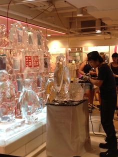 #Uniqlo #in-storeevent #newyork 5th avenue new post on http://www.er-interiordesign.com/