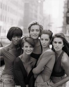 Superheroes: Naomi Campbell, Linda Evangelista, Tatjana Patitz, Christy Turlington, Cindy Crawford.