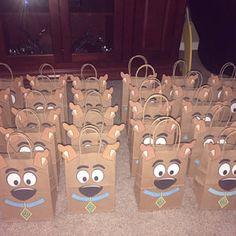 Foto van Koper Jennifer Brizo die dit item heeft beoordeeld met de Etsy app for iPhone. 8th Birthday, 1st Birthday Parties, Dog Parties, Birthday Ideas, Birthday Cakes, Scooby Doo Cake, Party Themes, Party Ideas, Baby Shower