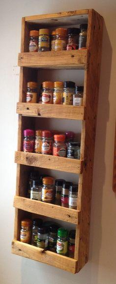 Kitchen pantry cabinet diy lazy susan ideas for 2019 Pallet Spice Rack, Wood Spice Rack, Ikea Spice Rack, Spice Storage, Spice Drawer, Spice Rack For Wall, Spice Shelf, Spice Rack Design, Spice Rack Pantry