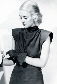 Lover of old hollywood and anything vintage. Classic Hollywood, Old Hollywood, Bette Davis Eyes, Betty Davis, Star Wars, Hooray For Hollywood, Lonely Heart, Joan Crawford, Star Fashion