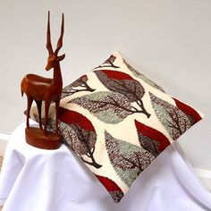 Vintage Fabric Retro cushion in 50s 60s Red