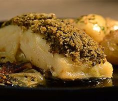 Lombinhos de Bacalhau em Crosta de Azeitonas e Coentros