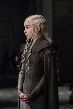 More photos from Game of Thrones Season 7 have been released online! - Daenerys-Targaryen-2