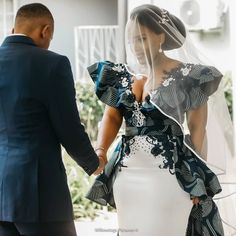 African Lace Dresses, Latest African Fashion Dresses, African Wedding Attire, African Attire, African Traditional Wedding Dress, Aso Ebi Lace Styles, Sexy Evening Dress, Designs For Dresses, Sexy Wedding Dresses