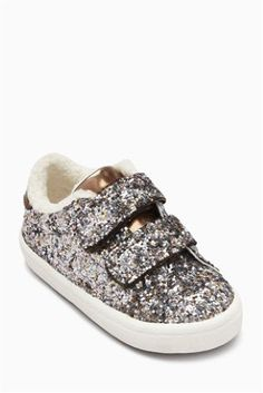 If she needs more sparkle or glitter in her life (let's be honest, who doesn't?), choose glitter trainers with easy-fit & touch fastening for a practical yet pretty finish. Latest Fashion For Women, Mens Fashion, No Boys Allowed, Running Trainers, Little Girl Fashion, Girls Accessories, Girly Girl, Slip On, Stylish