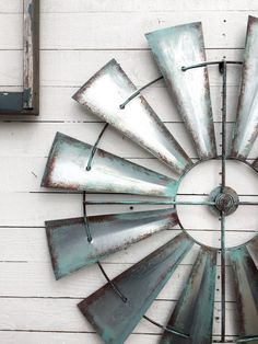 Diy Farmhouse Style Salvaged Windmill Decor From Ceiling Fan Blades Ohh Windmill Decor
