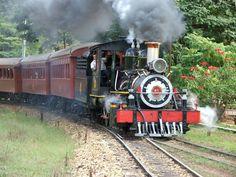 Maria Fumaça em Tiradentes (MG) #Trem #Train #Bitolinha # Locomotiva a vapor # Steam locomotive
