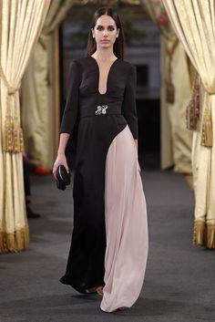 2ª parte Atelier Couture: mi selección, las novias 2018 que me impactaron Runway, Dresses, Fashion, Boyfriends, Trends, Cat Walk, Vestidos, Moda, Walkway