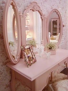 Great idea ~ make your own tri-fold mirrors by adding piano hinges to 3 similar mirrors!