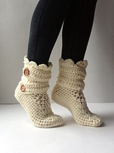 Women's Crochet Cream Slipper Boots Crochet by StardustStyle Crochet Slipper Boots, Crochet Slippers, Booties Crochet, Crochet Shawl, Crochet Lace, Crochet Winter, Crochet Patterns, Yarn Crafts, Pumps