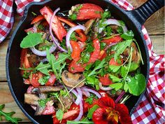 Warmer Tomaten-Champignons Salat