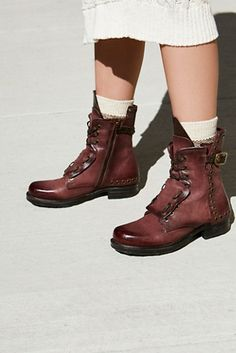Shop our Lucas Lace Up Boot at FreePeople.com. Share style pics with FP Me, and read & post reviews. Free shipping worldwide - see site for details.