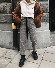 Over sized fit ideas. Brown puffer jacket with white hoodie and gingham pant and Dr. Over sized fit ideas. Brown puffer jacket with white hoodie and gingham pant and Dr. Trend Fashion, Look Fashion, 90s Fashion, Korean Fashion, Winter Fashion, Fashion Outfits, Fashion Women, Fashion Black, Fashion Online