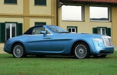 Pininfarina developed the Hyperion, a one-off custom-built car derived from the Rolls-Royce Drophead Coupe. The