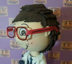 Gafas para fofuchas. Niño con traje de comunión. Fofuxes Merines. Mousse, Crochet Hats, Hair Styles, Hairstyles For Girls, African American Women, African Americans, Hair, Pictures, Knitting Hats