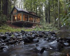 Creekside Cabin - Small House - Swoon Not that tiny but I love it! Little Cabin, Little Houses, Tiny Houses, Pool Houses, Dream Houses, Lake Houses, Small House Swoon, Ideas De Cabina, Cabin In The Woods