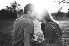 Nada melhor do que acordar e saber que alguém te ama, não é mesmo? Então confira aqui mensagens de bom dia, para que seu amor sinta como é bom ser amado!