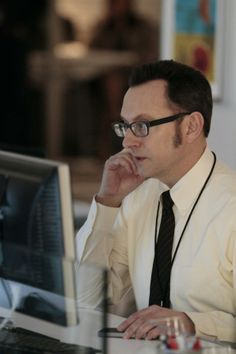 Season 2 Episode 19 Finch must pose as an I.T. specialist to protect the new POI.