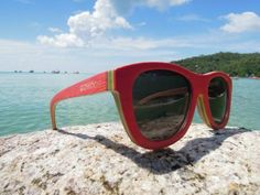 review of Go Wood #sunglasses http://www.cefashion.net/go-wood-sunglasses-for-a-new-wave #fashion #accessories #sunnies #shades