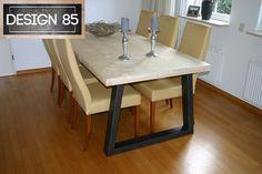 Mooie ruime tafel geschikt voor 6 personen. Het blad is gemaakt van nieuwe steigerplanken en heeft een stalen onderstel. Te bestellen via http://www.design85.nl/tafel-warmte.html
