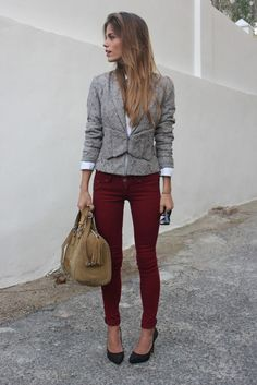 Grey blazer, burgundy skinny jeans, black pumps