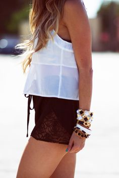 FRONT TIE LACE SHORTS - Black