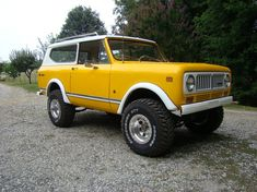 Yellow International Scout...drool.
