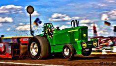 John Deere Tractor pulling Koebrugge metaal bewerking Hengevelde