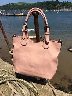 2 in 1 Tote Handbag #RiverDart #Danielli #Dartmouth #Devon #SWisBest #Tote #Handbag #Boutiques #ShoppingTime #ShoppingAddict #Style #MustHave #Fashion