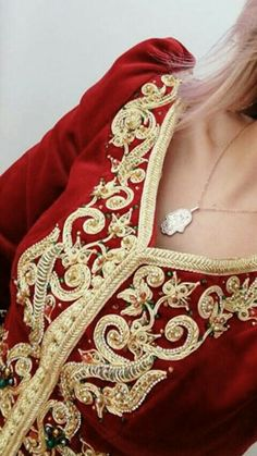 Algerian Karako Hand Embroidery Stitches, Embroidery Designs, Gold Work, Kaftans, Ethnic Fashion, Traditional Outfits, Party Party, Dress Party, Luxury Dress