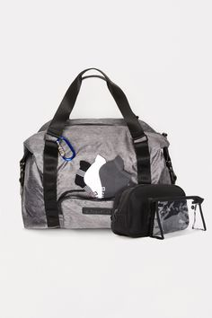Keep you Snow White's accesories handy with an absolute MUST HAVE gym bag. #FableticsWishList #FableticsFR Vive le Vent