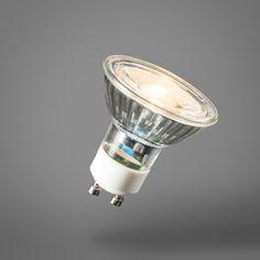 GU10 LED-Lampe 7W 500LM 3000K dimmbar Der perfekte Ersatz für die altmodische Halogenlampe. Diese DIMMBARE LED ist kaum noch von klassischen Halogenlampen zu unterscheiden. LED mit hoher Lichtleistung, schönem Reflektor und kompakten Abmessungen. #Lampenundleuchten.at #Leuchtmittel #Innenbeleuchtung #Außenbeleuchtung Led Lampe, Cob, Light Bulb, Led Lights Bulbs, Lights, So Done, Light Fixtures, Interior Lighting, Nice Asses