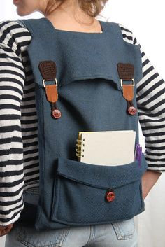 big laptop backpack in blue with brown buckles FREE por Marinsss, $69.00