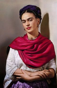 Frida with magenta scarf, 1939_Collection Nickolas Muray Photo Archives
