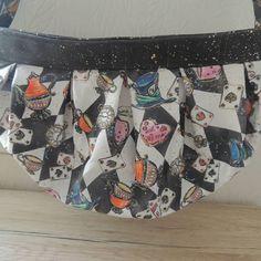Le Pingouin Masqué sur Instagram: Nouveau sac à main : Quand j'ai vu ce tissu Alice de @lyloutissus , je savais ce que je voulais faire avec. Un liège de luxe de…