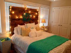 My sister, @allisoneckert 's bedroom in her home away from home. Love the headboard her boyfriend made!!