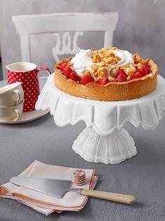 Erdbeerstreuselkuchen mit frischen Erdbeeren - perfekt für den Start in die Erdbeersaison