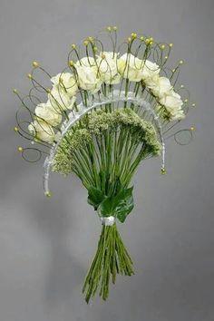 Flowers arrangements bouquets modern ideas for 2019 Winter Flower Arrangements, Artificial Flower Arrangements, Floral Arrangements, Ikebana, Deco Floral, Arte Floral, Floral Design, Bridal Flowers, Flower Bouquet Wedding