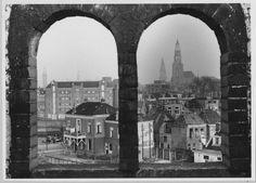 Groningen<br />De stad Groningen: Westerkade een deel en achterzijde van huizen aan de Steenhouwerskade in 1952